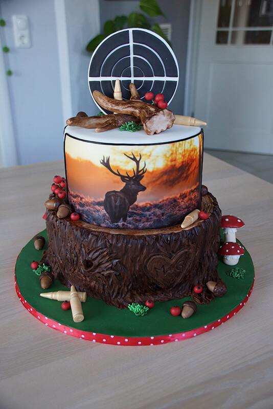 Hirschmotiv-Torte