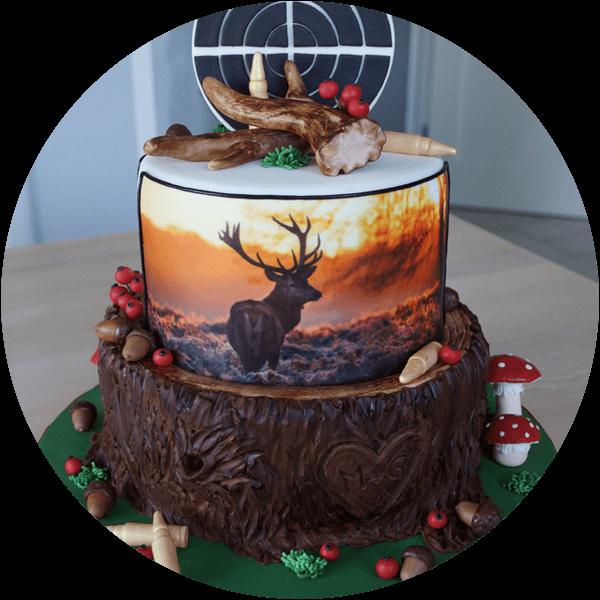 Torte mit Hirschmotiv